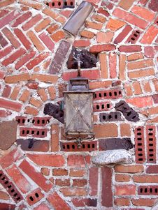 Free Brick Wall Alamp Royalty Free Stock Photography - 4835077
