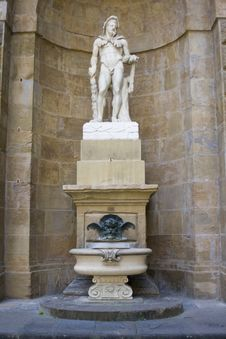 Free Antique Statue Royalty Free Stock Photo - 4836075