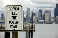 Free Do Not Feed The Waterfowl Royalty Free Stock Image - 4837336