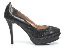 Free Female Shoe Royalty Free Stock Images - 4837509