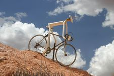Free Sculpture Of A Downhill Cycle Royalty Free Stock Images - 4845909