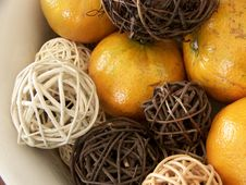Free Honey Tangerines And Vine Decorations Stock Image - 4846161