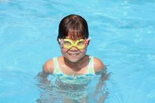 Free Small Girl In The Pool Royalty Free Stock Image - 4846316