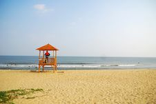 Lifeguard S Cottage And Sea Royalty Free Stock Photography