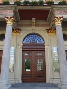 Free Old Wooden Door Stock Photo - 4849610