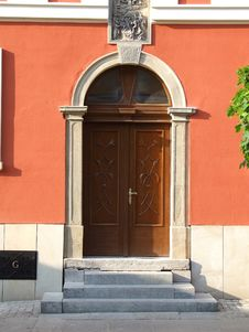 Free The Closed Arched Doorway Royalty Free Stock Photo - 4849835