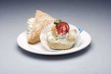 Free Creamy Cakes Stock Photo - 4851030