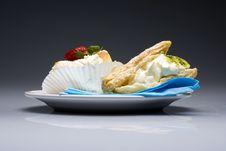 Free Creamy Cakes Stock Image - 4851111