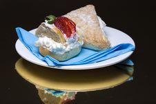 Free Creamy Cakes Stock Image - 4851231