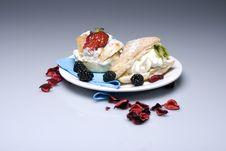Free Creamy Cakes Royalty Free Stock Photos - 4851408