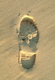 Free Shoe Footprint In Beach Stock Photo - 4851540
