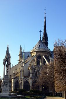 Free Facade Of Notre Dame De Paris Royalty Free Stock Image - 4852666