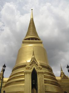 Golden Temple In Grand Palace Bangkok Royalty Free Stock Photography