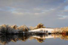 Free Mirrored Lake 200 Royalty Free Stock Image - 4859626