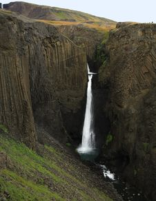 Free Tall Waterfall Iceland Royalty Free Stock Images - 4859999
