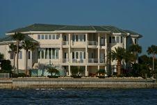Free Waterside Mansion Stock Photo - 4860880
