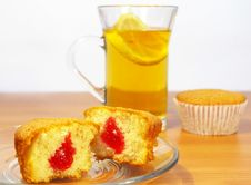 Cup Of Tea With The Lemon Abd Cakes Stock Images