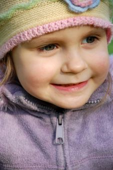 Free Smiling Little Girl Royalty Free Stock Photos - 4863288