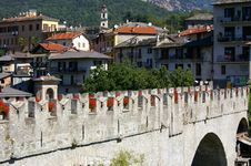 Free Medieval Bridge In Italy Royalty Free Stock Photo - 4868035