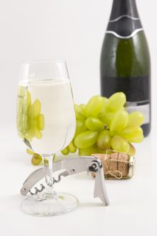 Free Wine And Around It Royalty Free Stock Photography - 4868897