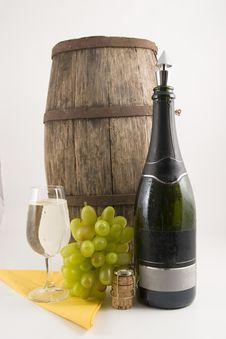 Free Wine And Around It Royalty Free Stock Image - 4869176