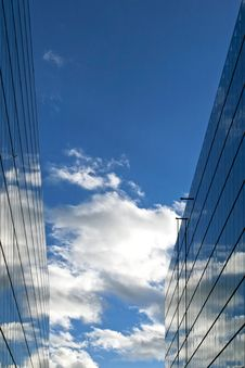 Free Sky Reflections Stock Images - 4872974