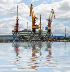 Free Container Cranes Royalty Free Stock Image - 4880706