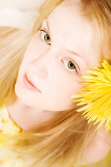 Free Young Woman In Yellow Dress Royalty Free Stock Image - 4886246