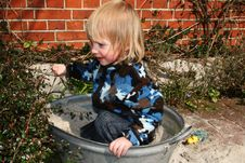 Free Child And Sandpit Stock Photos - 4886583