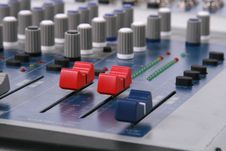 Free Audio Mixing Royalty Free Stock Images - 4887219