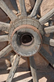 Free Wooden Wagon Wheel Royalty Free Stock Image - 4890626