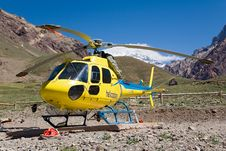 Free Helicopter Yellow Stock Images - 4892504