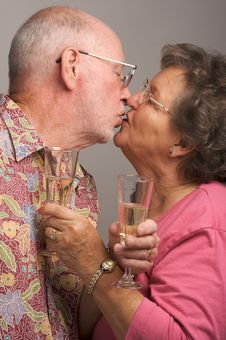 Free Happy Senior Couple Kissing Royalty Free Stock Photos - 4894158