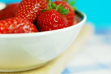 Free Strawberries In A Bowl Stock Image - 4898061