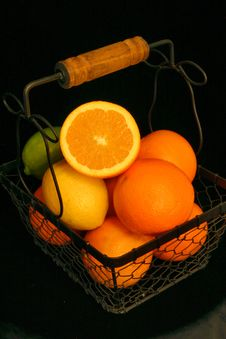 Free Citrus Fruit Basket Stock Photos - 491463