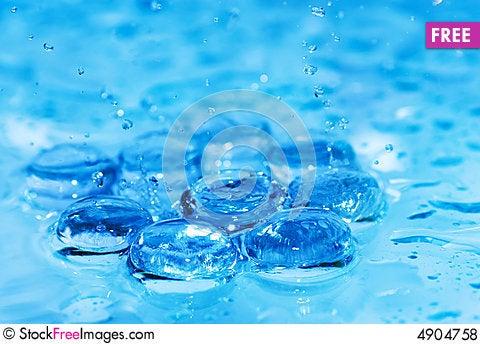 Free Splashing Water Royalty Free Stock Photos - 4904758