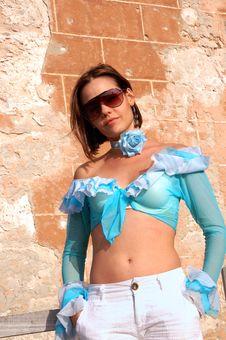 Free Hispanic Model With Sunglasses Royalty Free Stock Images - 4900509
