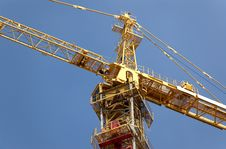 Free Lifting Crane Building The House Royalty Free Stock Photos - 4903738