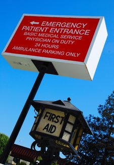 Free Hospital Emergency Signage Royalty Free Stock Photo - 4904035