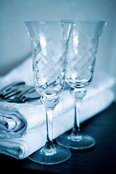 Free Two Glasses And Cloth Royalty Free Stock Photos - 4906878
