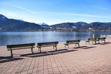 Free Empty Benches Royalty Free Stock Images - 4908349
