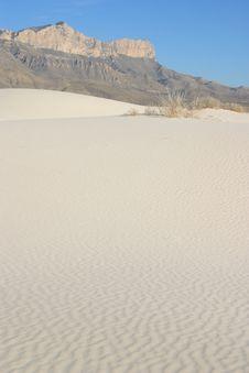 Free Gypsum Sand Dunes Royalty Free Stock Photography - 4910357