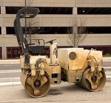 Free Old Paving Roller By Parking Deck Royalty Free Stock Photography - 4910707
