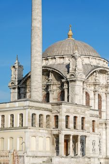 Free Baroque Mosque, Istanbul Royalty Free Stock Photography - 4911447