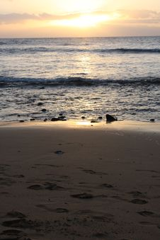 Free Beach Scape At Sunset Stock Photography - 4914262