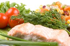 Free Stake From A Salmon With Vegetables Stock Photography - 4916272