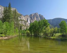 Free Yosemite Valley. Royalty Free Stock Photo - 4920745