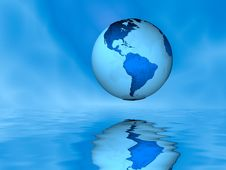Free Globe Above Water Royalty Free Stock Images - 4923129