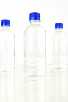Free Bottled Water Royalty Free Stock Photos - 4926358