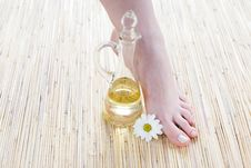 Free Female Feet With Oil Royalty Free Stock Image - 4929706